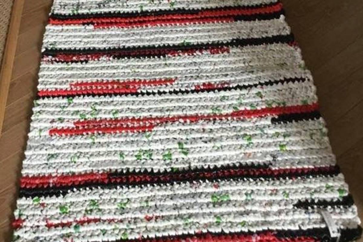 Crocheting Plastic Mats For The Homeless In Maple Ridge Maple