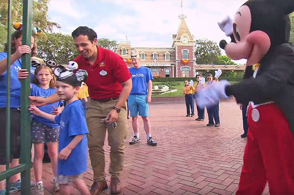 Pitt Meadows boy opens gates to Disneyland