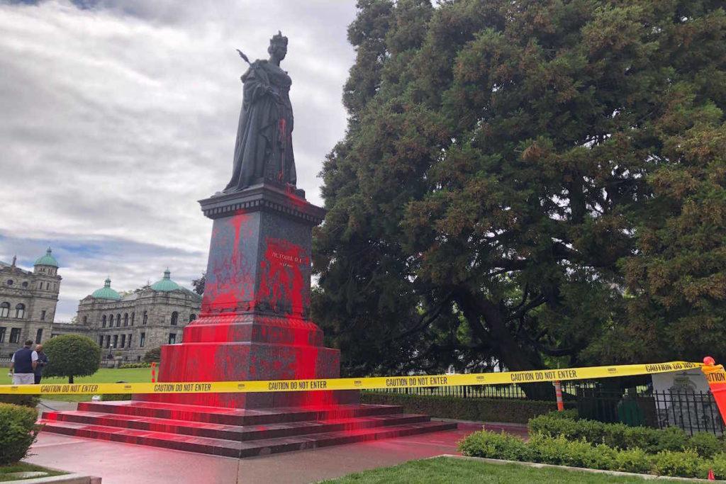 Queen Victoria statue at B.C. legislature vandalized Friday - Maple Ridge News
