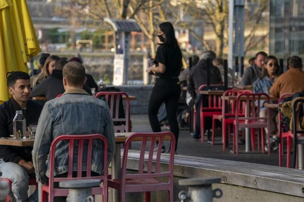 Labour shortages, closed borders major obstacles to B.C. restaurant, tourism restarts - Maple Ridge News