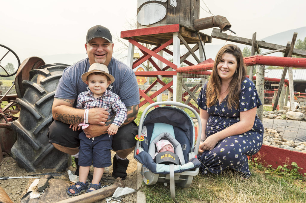 VIDEO: Shuswap couple pull off Highway 1 in Salmon Arm to give birth to child - Maple Ridge News