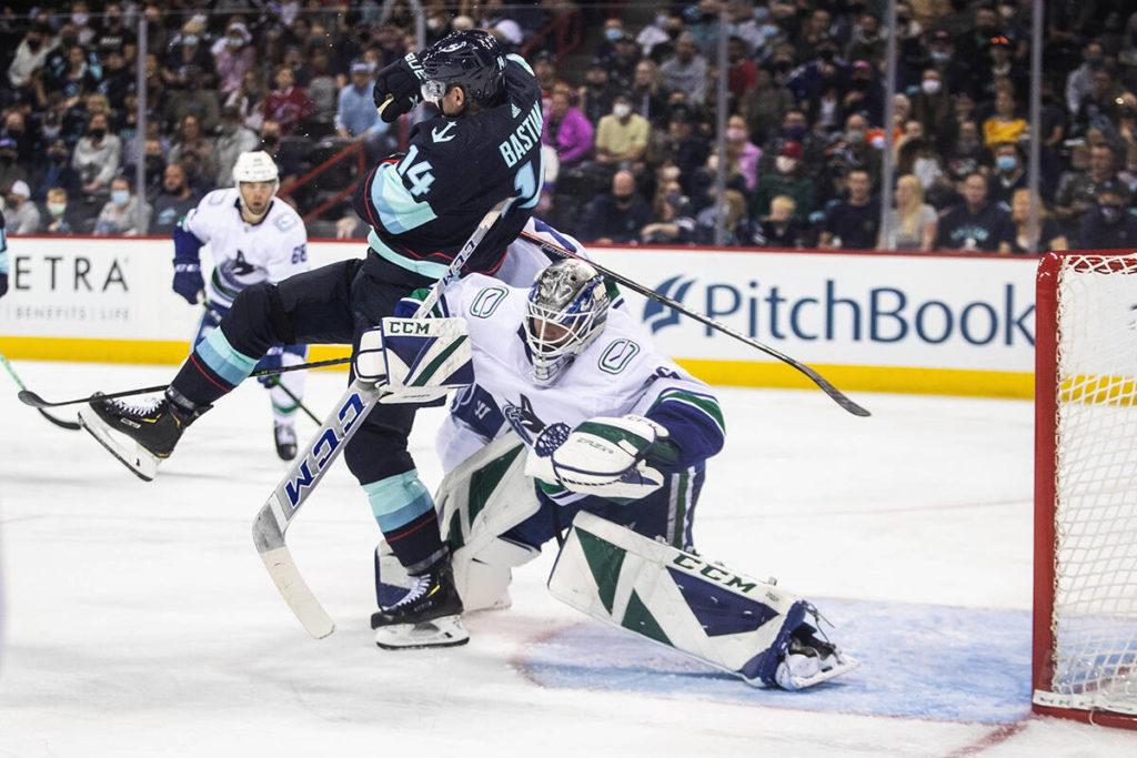 Kraken released: Seattle opens NHL preseason with 5-3 win over Vancouver Canucks - Maple Ridge News